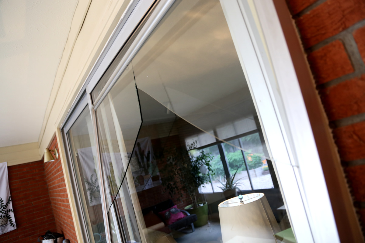 Broken Glass Patio Door repair - Broken Glass Patio Door! What Do I Do? Mobile Screen And Glass