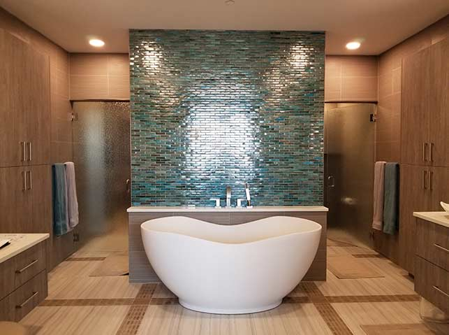 Mobile-Screen-Glass-Shower-Doors2018