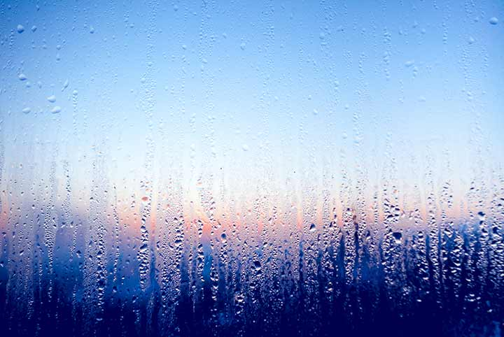 Wet windows from cold temperatures