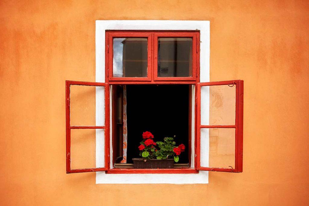 close windows in high winds