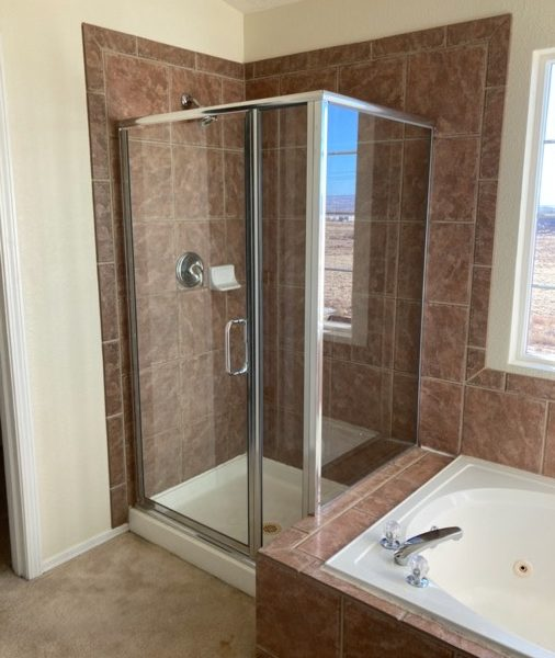 MSG-Shower-Glass-Install-IMG_4078