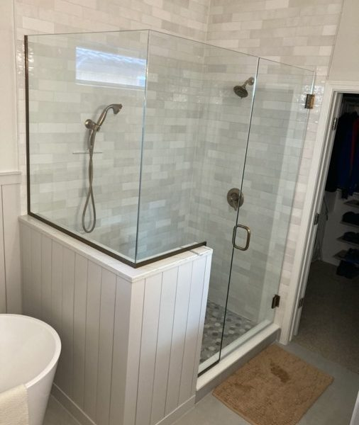 MSG-Shower-Glass-Install-IMG_4159